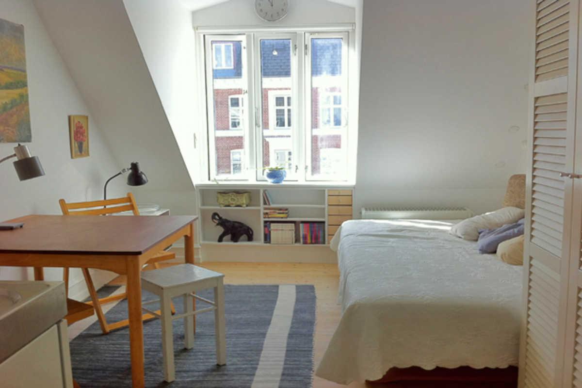 Ampia camera con angolo cottura indipendente - Camera privata ...