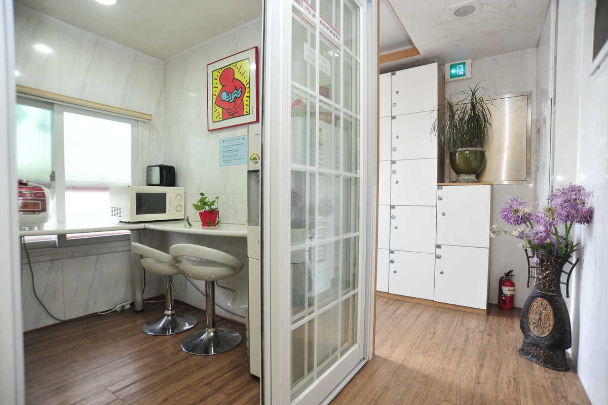 Contemporary EnSuite City Apartment Private Room Seoul - Rooms for rent with private bathroom and kitchen