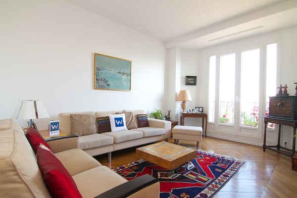 Location vacances paris bercy location appartement for Chambre d hotes bastille