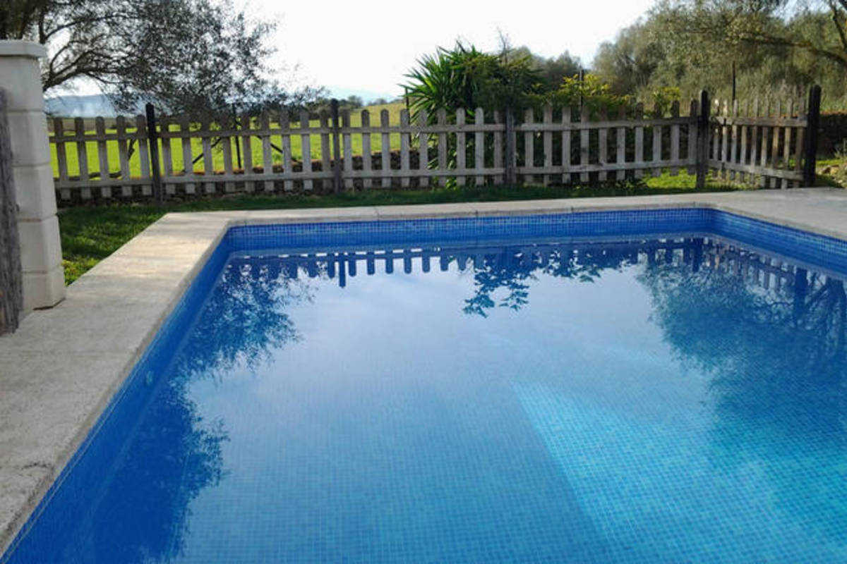 Ferme avec piscine ferme manacor for Piscine 07500