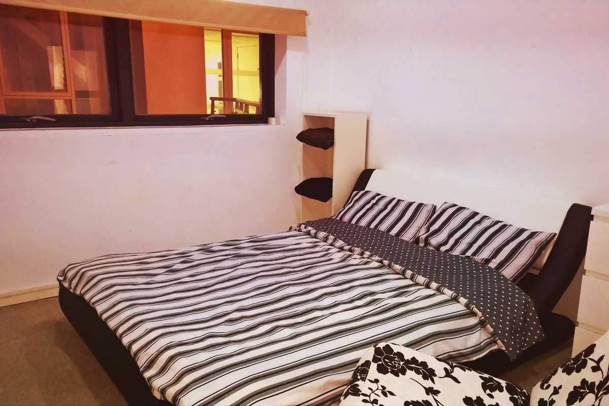 chambre chez l 39 habitant airpoint chambre priv e bristol. Black Bedroom Furniture Sets. Home Design Ideas