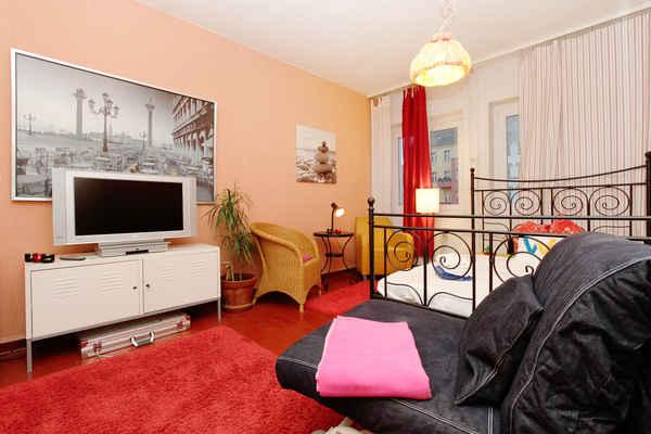 apartments berlin g nstige ferienwohnung in berlin wimdu. Black Bedroom Furniture Sets. Home Design Ideas